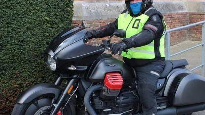 Vijfde dode in drie jaar tijd: motorrijder (56) sterft nadat tegenligger over volle witte lijn vlamt