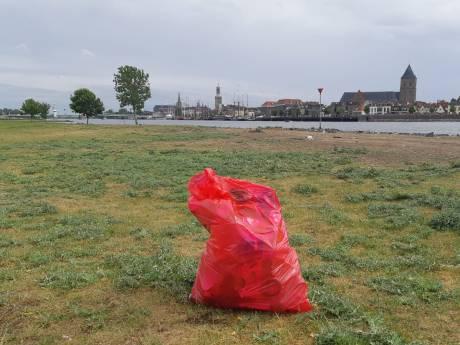 Wat doet 'die vuilnisbelt' daar langs de oever van de IJssel? 'Dit heeft niets te maken met coronacrisis!'