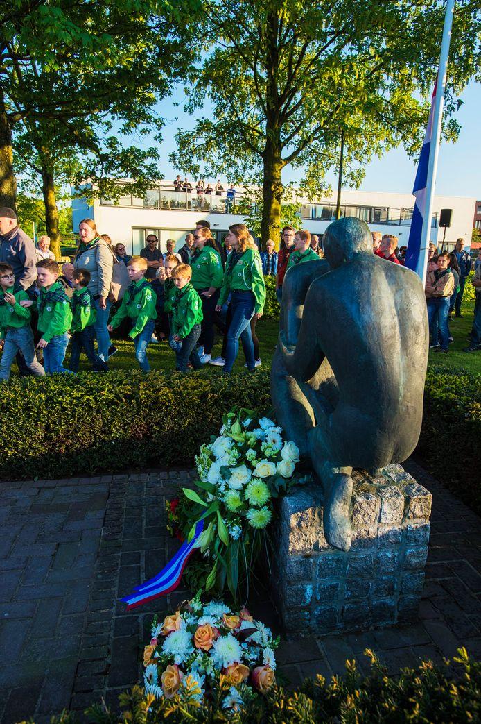 Dit jaar vanwege de coronacrisis geen uitgebreide Dodenherdenkingen in de gemeente Heusden, zoals hier in Vlijmen.
