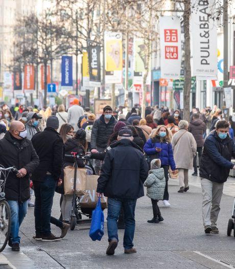 Shoppers gedragen zich in Antwerpse winkelstraten: slechts 53 corona-pv's in zes weken