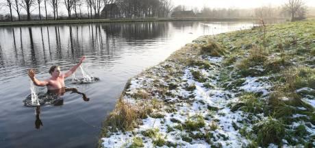Dagelijkse duik in ijskoud water: Tilburger Magic is fitter dan ooit