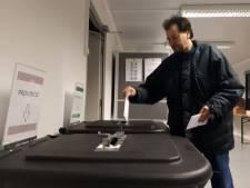 Vroege vogels uit Dordrecht melden zich al op het stembureau