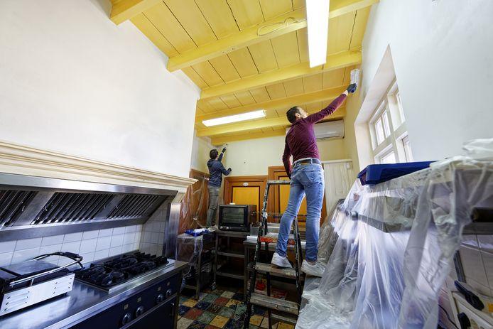Weliswaar bleef het terras en het lunchcafé Toren 4 wekenlang dicht, de medewerkers waren druk met onderhoudswerkzaamheden en het bezorgen van bestellingen.