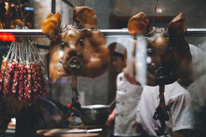 De oorsprong van het coronavirus lag vrijwel zeker op een van de vele onhygiënische markten in China.