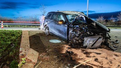 Twee mannen gewond bij zwaar verkeersongeval op N60 in Nukerke