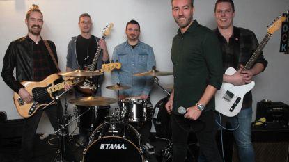 Nieuwe beloftevolle Leedse rockgroep organiseert zelf eerste optreden: gratis rockfestival met indrukwekkende lichtshow
