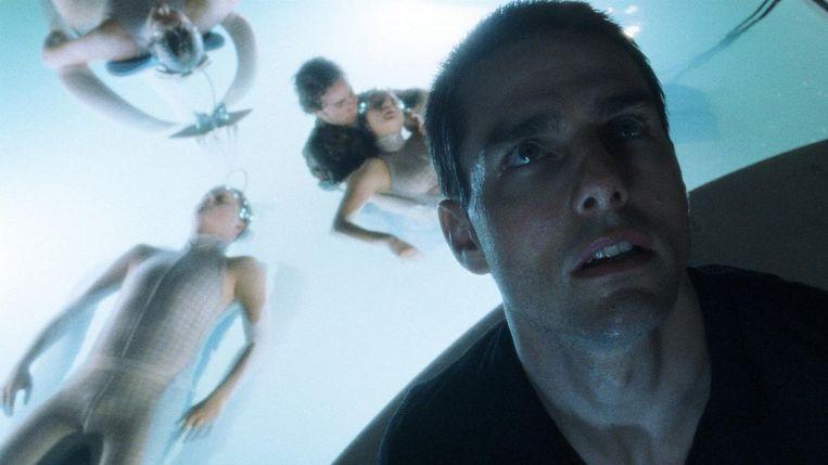 Tom Cruise in Minority Report van Steven Spielberg. Beeld null