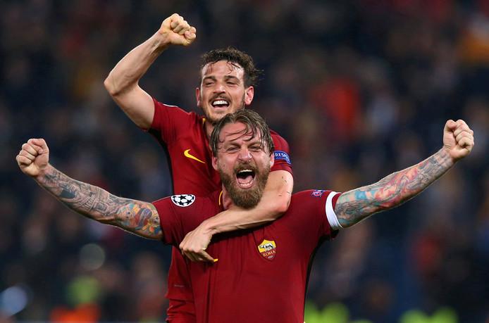 Daniele De Rossi en Alessandro Florenzi vieren feest na de zege op FC Barcelona in 2018.