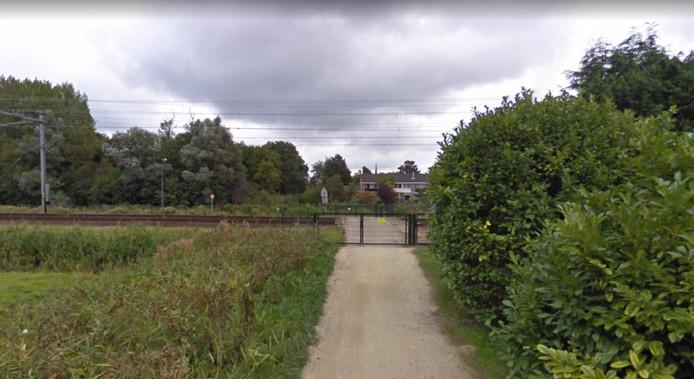 De afgesloten spoorweg overgang in Heemstede
