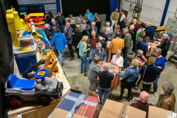 De Sticht 4WDCare uit Valburg verzamelde de afgelopen maanden allerhande spullen voor Bosnië.