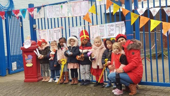 Kinderen basisschool 't Landuiterke heten Sinterklaas welkom