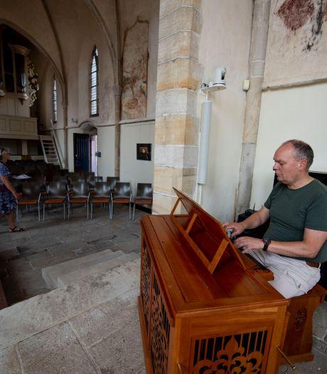 Bornse Oude Kerk laat zich van zijn mooiste kant zien