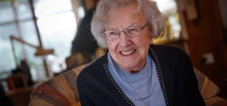 Lenie (101) is beroemd in de Appie, sinds haar televisie-optredens