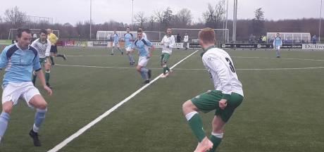 Zwolsche Boys wint tegen Rouveen strijd om tweede plaats in 3C