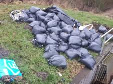 Ruim veertig zakken drugsafval gedumpt in Nieuw-Dordrecht