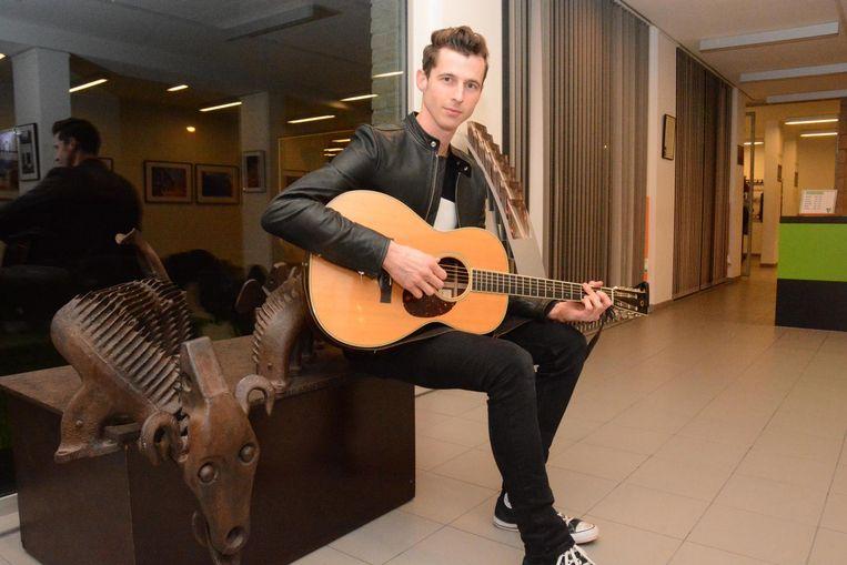 Singer-songwriter Pieter Peirsman is klaar voor Tournée Générale.
