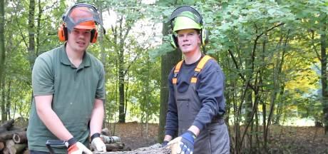 Verstandelijke gehandicapten van 's Heeren Loo gaan wonen en werken in de bossen van Staatsbosbeheer
