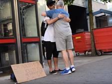 22-jarige moslim vraagt in Manchester om vertrouwen en knuffels