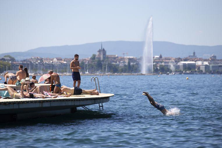 Onder meer de regio rond het meer van Genève in Zwitserland krijgt een code rood.