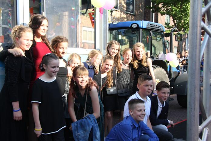 De leerlingen uit Haren, Megen en Macharen kwamen met het treintje van de Maasmeanders.