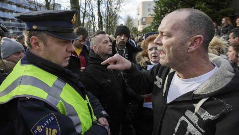 Demonstranten in Leiden zijn niet blij met de komst van pedoseksueel Benno L. Beeld anp