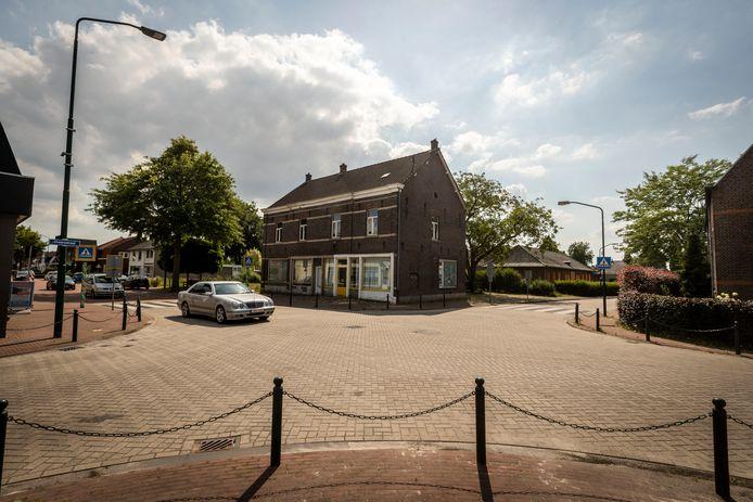 Op de oude locatie van groentewinkel Agnita, in de voormalige kleuterschool en op het braakliggend Rabobankterrein aan de Grootschoterweg en Pater Ullingsstraat in Budel-Schoot komen 21 huur- en koopwoningen.