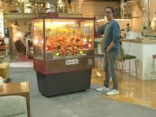 Nostalgie: Handelaar Jeroen tikt Bimbo-Box op de kop