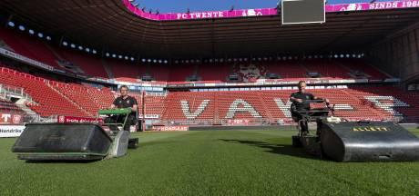 Bij FC Twente en Heracles maaien en scouten ze alsof de wereld niet stilstaat