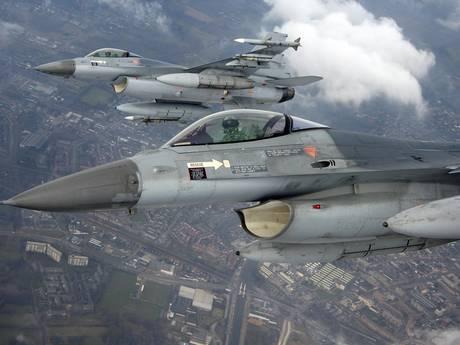 F-16's vliegen weer 's avonds over Land van Cuijk