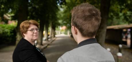 Moeder gehandicapte Jop (17) uit Langeveen: 'Als mijn zoon naar school is, is mijn hoofd weer even van mij'