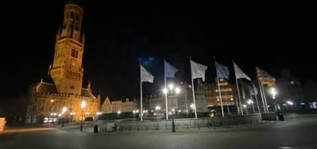 """Op nachtelijke wandeling in Brugge, waar de politie meteen twee boetes uitschrijft voor niet-respecteren van nachtklok: """"Kordater optreden om iedereen mee te krijgen"""""""