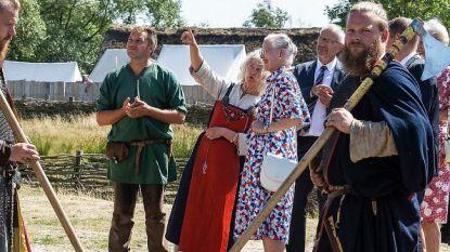 IN BEELD. Deense koningin voelt zich Viking voor één dag
