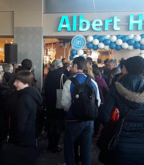 Plattegrond en bonbons voor klanten in vernieuwde Albert Heijn in Middelburg
