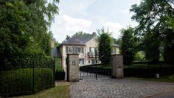 Terwijl overvallen zakenman (73) revalideerde, troggelde nepadvocate zijn villa van 1,4 miljoen af