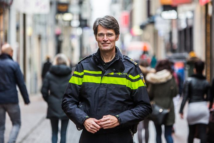 De Nationale Politie bestaat nu vijf jaar, Erik Akerboom geeft naar eigen zeggen 'met trots' leiding aan de politieorganisatie.