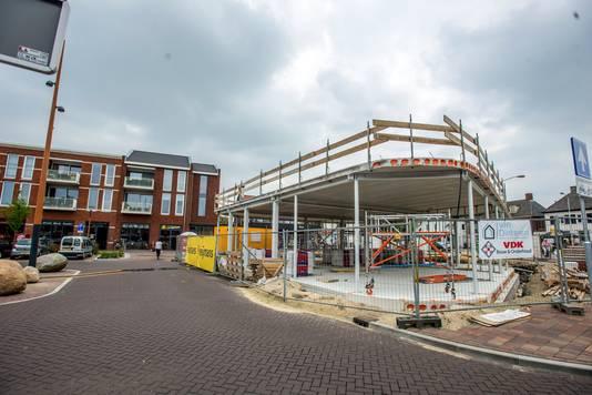 Het paviljoen toen het enkele maanden geleden in aanbouw was.