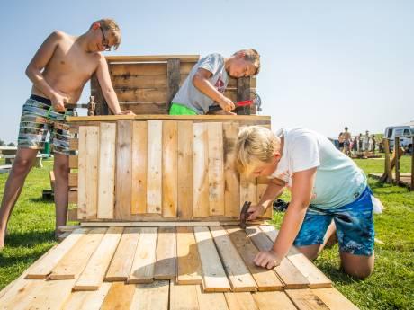 Gebrek aan vrijwilligers voor  huttenbouwweek in Puttershoek en Maasdam
