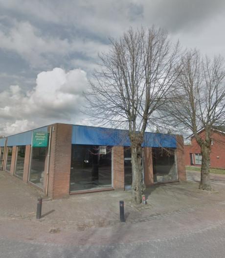 Protest tegen kap van oude lindebomen voor nieuw Esbeeks woningbouwplan