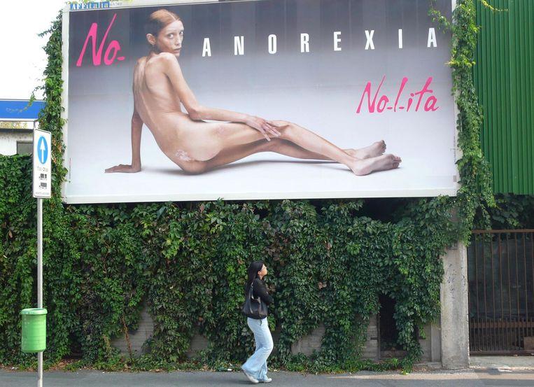 Campagne tegen anorexia in Milaan in 2007, daags voor de Milan Fashion Week. Beeld ap