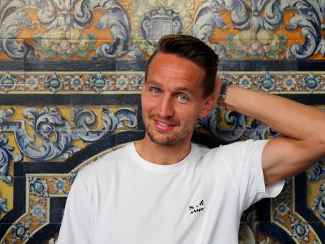 De Jong kijkt zijn ogen uit in Sevilla: 'Het perfecte plaatje'