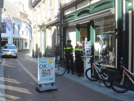 Overvaller na aanval op eigenaar fotozaak in Zutphen gepakt