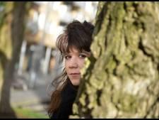 Popzangeres uit Enschede maakt een statement: 'Kleed me uit'