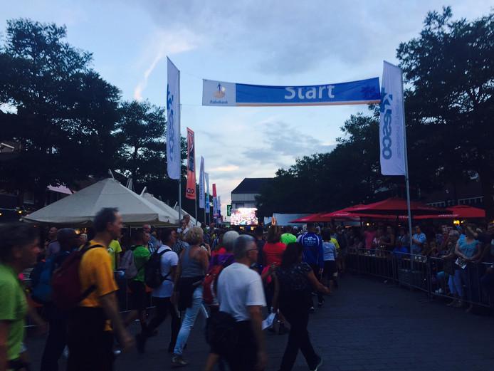 Zo'n 2700 deelnemers starten aan de 80 van de Langstraat.