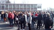 Meer dan 1.000 leerlingen houden indrukwekkende minuut stilte tegen zinloos geweld