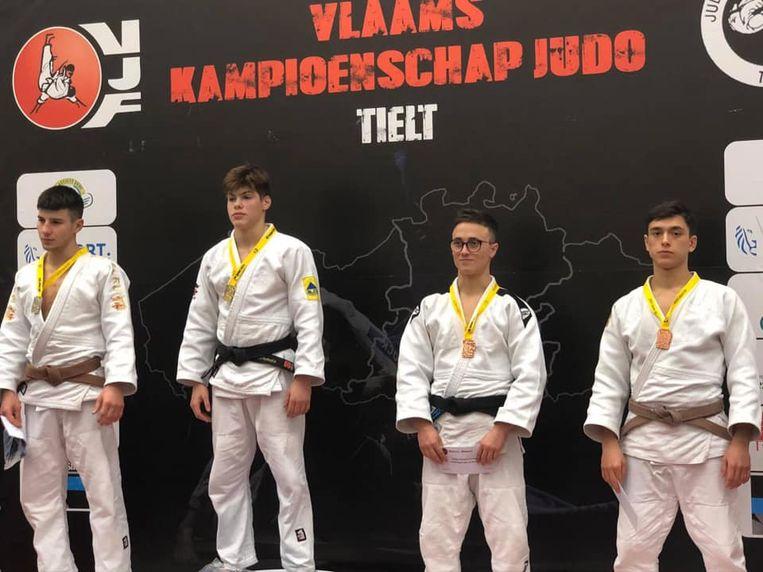 Muslim (links) ging met de zilveren medaille aan de haal.
