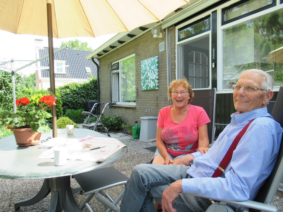 Corrie en Jan Zegelaar genieten elke dag in hun Kuipersveer.