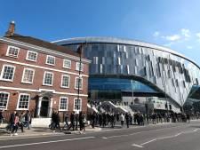 J'Neil Bennett (17) maakt eerste goal in nieuw stadion Tottenham Hotspur