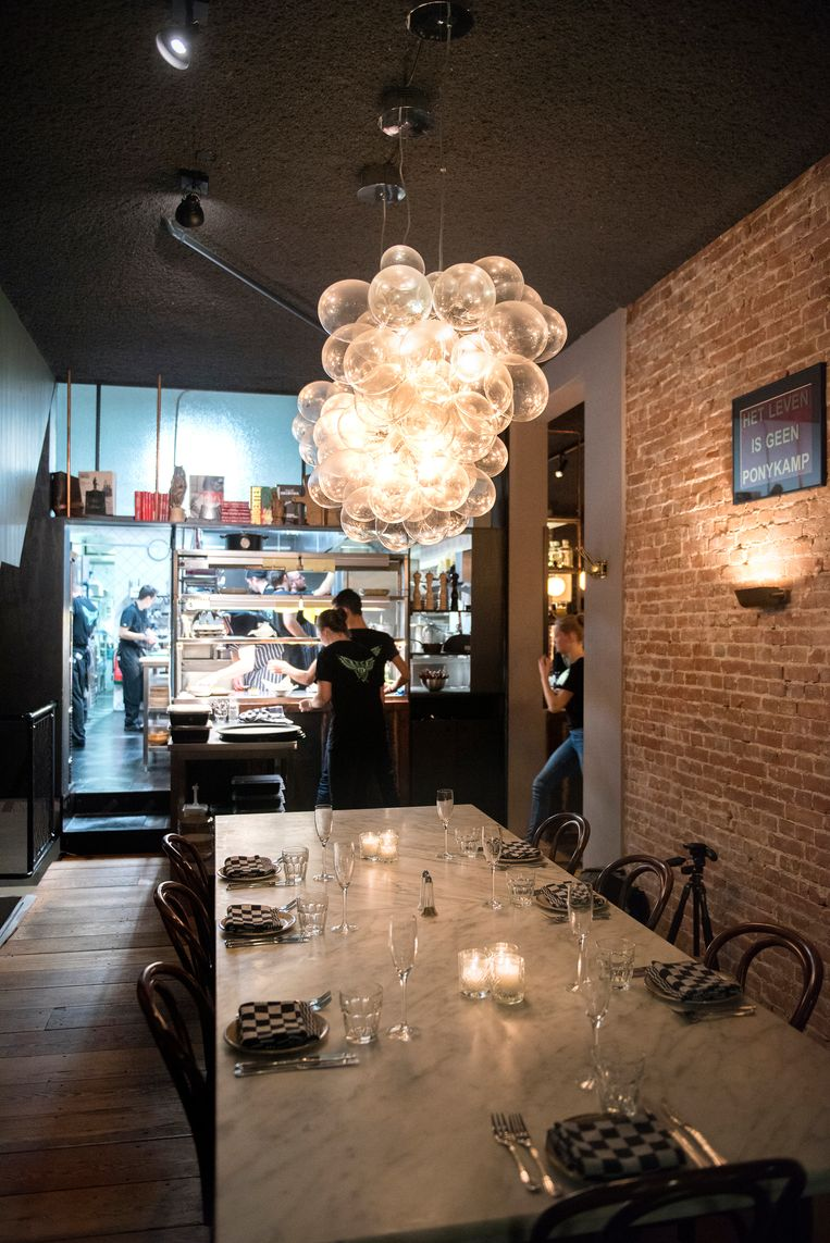Restaurant Café Cliché in Amsterdam Beeld Els Zweerink