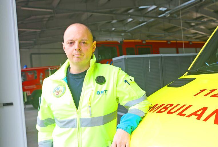 Ambulancier Nico Weyn pleit voor de oprichting van een databank waarin de adressen van gevaarlijke patiënten worden opgenomen.