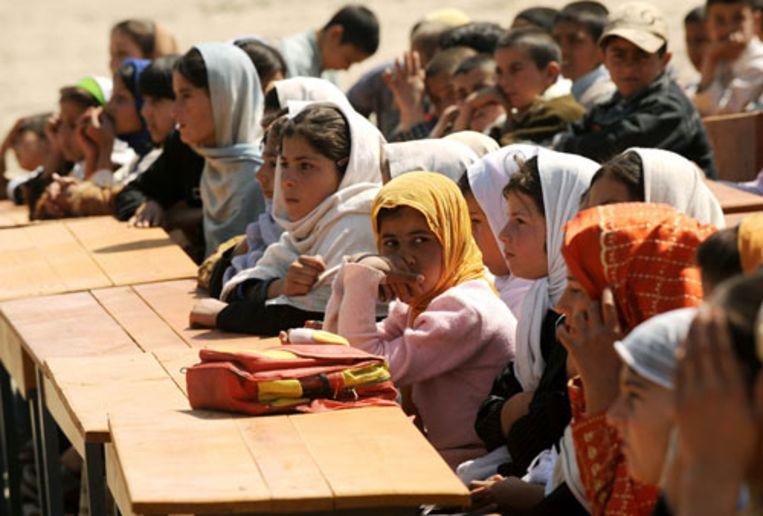 Scholen springen in Afghanistan als paddestoelen uit de grond (AFP) Beeld